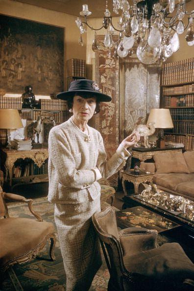 Coco Chanel horoszkópjának elemzése Artemisz Asztrológia Debrecen